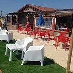 Mejorando terrazas para mayor disfrute de las vistas la gastronomía y las copas a la puesta de s