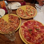 Photo of Pizzeria La Roda Groga