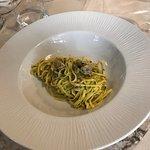Linguine di pasta fresca fatta in casa alle vongole