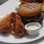 Pub All Mighty Burger