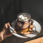 Irresistible mousse de choco con compota de damascos!!  Se come desde el fondo hacia arriba.