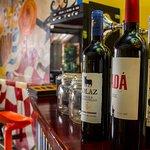 Barra de vinos y cocteles