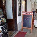 The Old Pharmacy Café, Shop, Galerieの写真