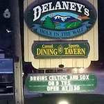 Delaney's Hole in the Wall resmi
