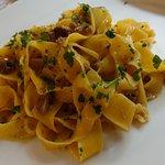 Lasagne con ragù di coniglio e olive