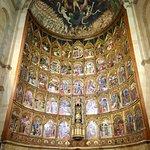 صورة فوتوغرافية لـ Old Cathedral (Catedral Vieja)
