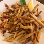 shrimp and scallops combo (lots of fries)