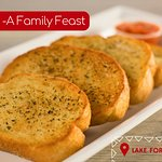 Offers freshly prepared garlic bread with quality ingredients that can be delivered right to you