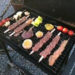 Barbecue, eigener Grill direkt am Tisch