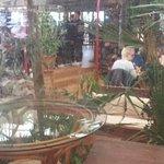 Vanaf het lounge gedeelte foto richting restaurant gedeelte