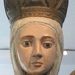 Rosto de Nossa Senhora, proveniente de uma das Portas medievais da muralha de Vila Real.