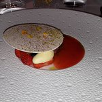 "Aardbei ""mariguette"" - rabarber - mascarpone - gezouten citroen - witte chocolade"