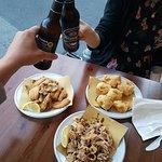 Alici fritte, polpette di baccalà e fritto di calamari da Semmu Friti a Camogli