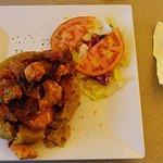 Mofongo Relleno de Pollo En Salsa Criolla