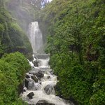 Peguche Waterfall Foto