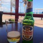 Peroni frente al mar