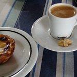 Café expresso e pastel de nata. Imperdível!