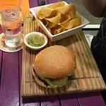Dushi Bagels and Burgers Resmi