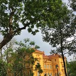 Photo de Ho Chi Minh Presidential Palace Historical Site