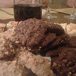 biscottini vari gusti (nocciole - castagne) buonissimi anche questi