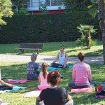 yoga plein air nice la joie infinie