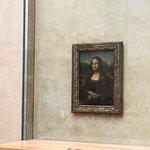 صورة فوتوغرافية لـ متحف اللوفر