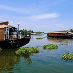 Kerala Backwaters – boarding our house boat