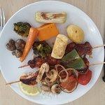 Brochette de poulet et petits légumes