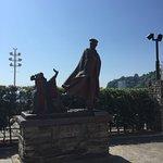 Foto de Omiyanomatsu / Statue of Kanichi and Omiya