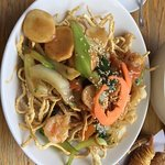 Crispy Noodle with seafood main course