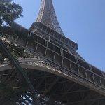 صورة فوتوغرافية لـ برج إيفل