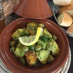 Tajine de Poulet, Pommes de Terre, Olives, Citron