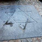 Estrela de David no pavimento