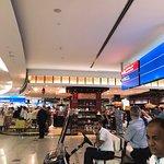 صورة فوتوغرافية لـ Emirates First Class Lounge