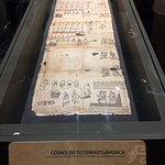 Uno de los códices que forman parte de la exposición MIXTECOS ÑUU DZAHUI: SEÑORES DE LA LLUVIA