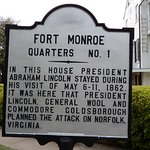 Historical sign about the house President Lincold stayed in.