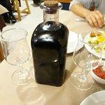Frasca de vino de la zona