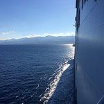 Ferry from Reggio Calabria to Messina. COLOMBO GROUP Tours and Excursions -Мессинский пролив.