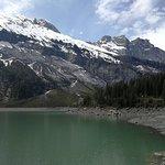 صورة فوتوغرافية لـ Oeschinen Lake