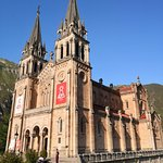 Basilica de Santa Maria la Real de Covadonga Φωτογραφία