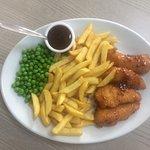 BBQ fillet chicken strips, chips & peas £5.25