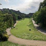 Photo de Princes Street Gardens