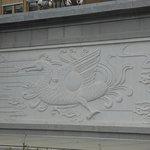 Kunst an der Mauer in Richtung Hauptstrasse