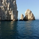 the view of El Arco while on the boat.