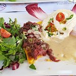 Salade, polenta, carpaccio