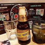 """birra """"modelo negra"""", fozen margaritas, mezcal, tequila, ecc."""