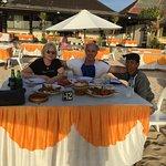 Resto de fruit de mer sur la plage de Kuta, avec notre chauffeur Wayan