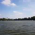 ภาพถ่ายของ Lake of the Restored Sword (Hoan Kiem Lake)