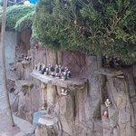 миниатюрные монахи