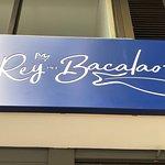 Excelente restaurante en menú y con una carta muy variada de la especialidad Bacalao. Hace honor